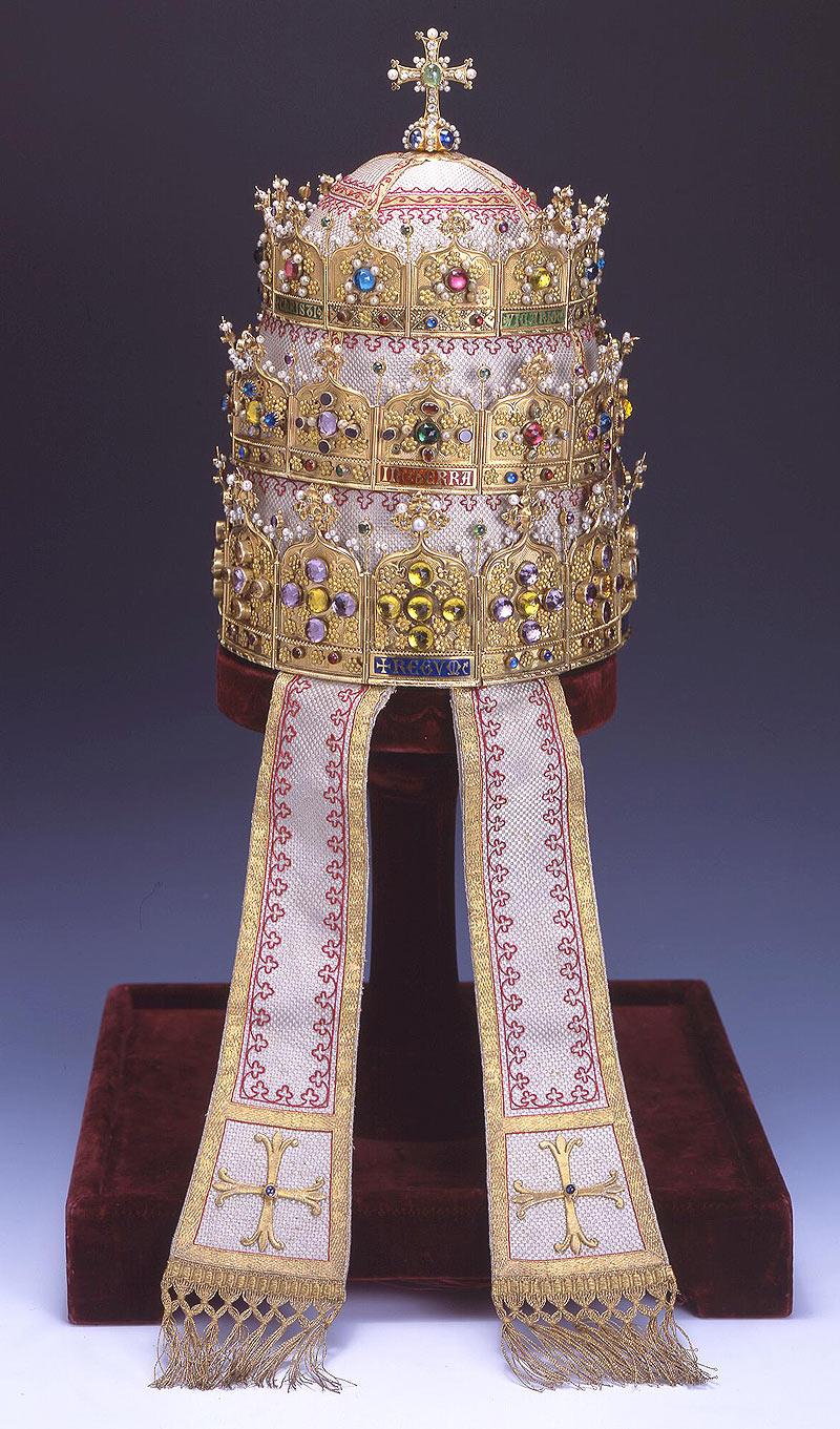 [Obrazek: tiara-PiusIX.jpg]