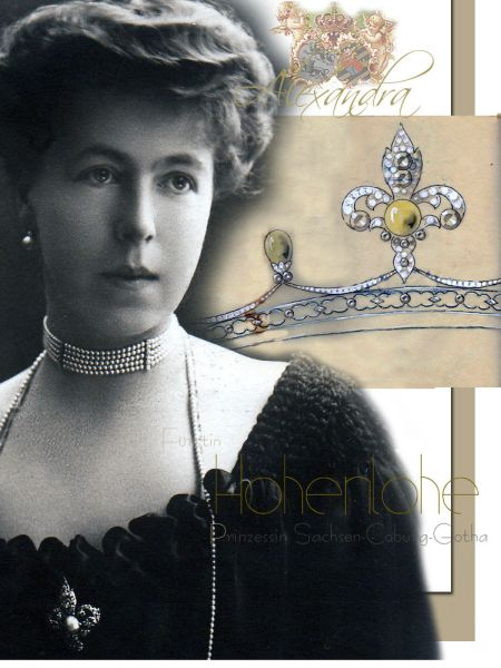 Fürstin Alexandra zu Hohenlohe-Langenburg | Fleur de Lys Diamond Pearl Brooch |Royal Jewels