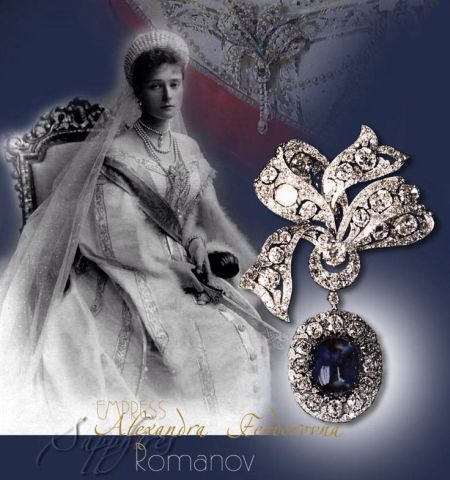 Imperial Sapphire and Diamond Bow Brooch of Empress Alexandra Feodorovna Imperial Jewels of the Romanovs   Jewels of the Tsars Royal Imperial Engagement The lost sapphire jewellery of Empress Alexandra Feodorowna of Russia When Fersman* listet the russian imperial jewels for sale, pos Nr 240 was discribed as BROOCH IN FORM OF A BOW WITH A LARGE SAPPHIRE IN THE LOCKET